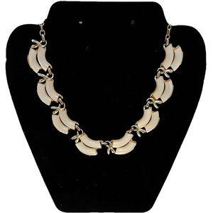 Vintage Coro Thermoset Lucite Necklace